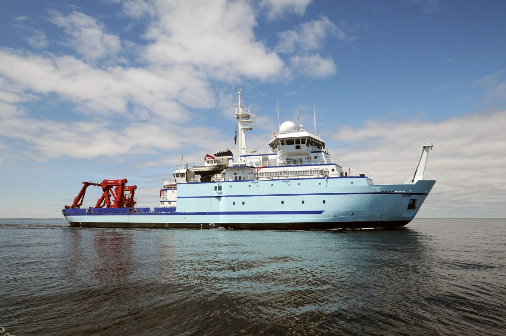 Research Vessel Sikuliaq in May 2014